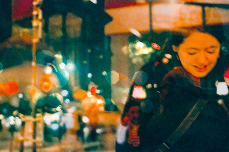 Série «Instants» Reflets 16 juillet, 2012, 3 tirages argentiques transparents, caisson bois retro-éclairé, 30 x 40 x 10 cm, ©Isabelle Millet