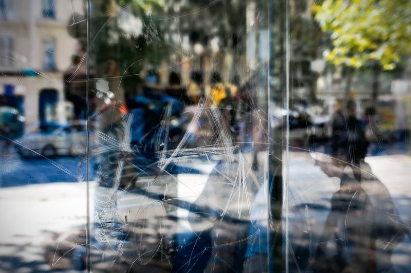 Série «Instants» Reflets 9 mars 2013, 3 tirages argentiques transparents, caisson bois retro-éclairé, 30 x 40 x 10 cm, ©Isabelle Millet